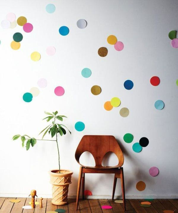 Giant confetti in the decoration of the house.