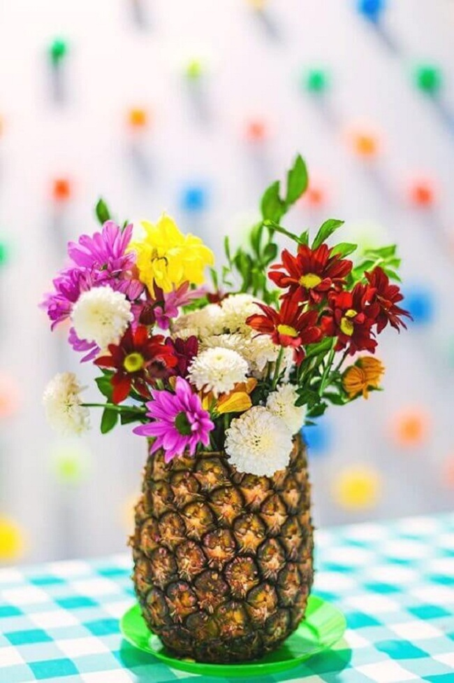 Tropical arrangement for carnival decoration