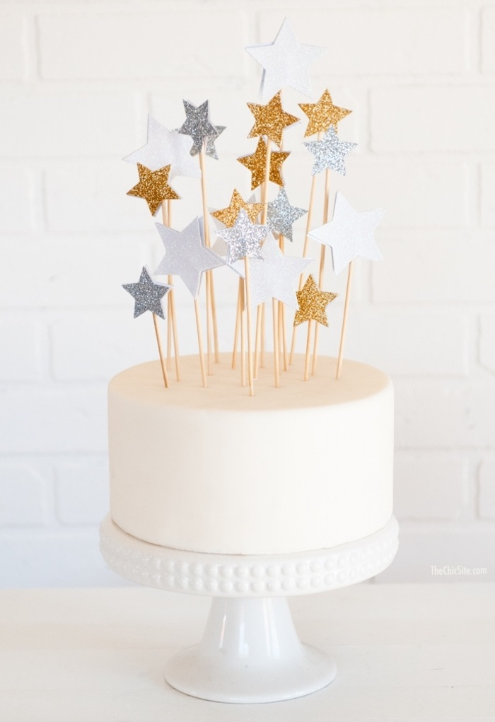 Little stars decorate the cake top with joy