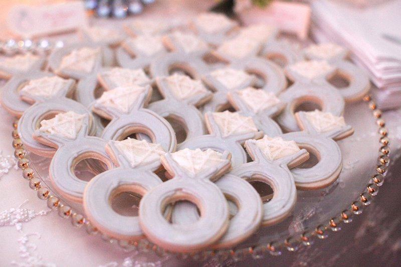 Wedding ring shaped cookies