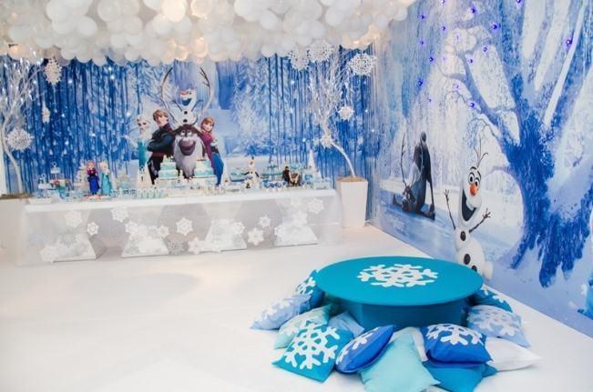 Frozen theme party decoration.
