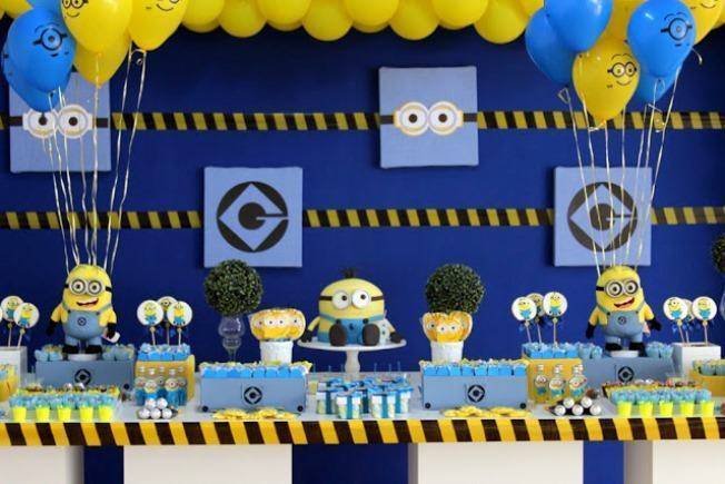 Minions theme party decoration.