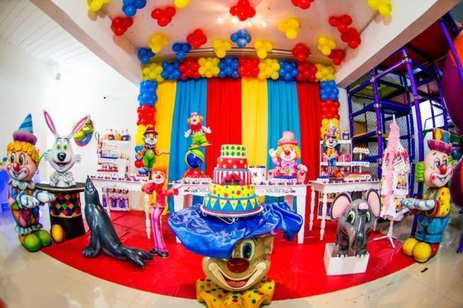 Circus theme kids party decoration.