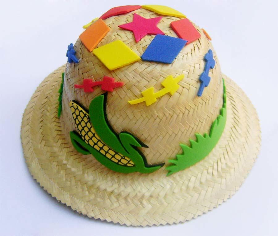 Straw hat decorated with EVA.