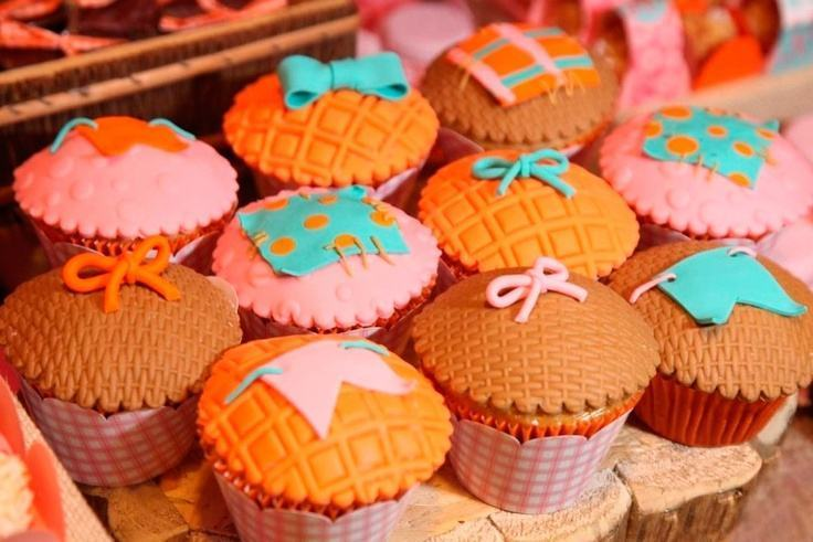 June party cupcakes