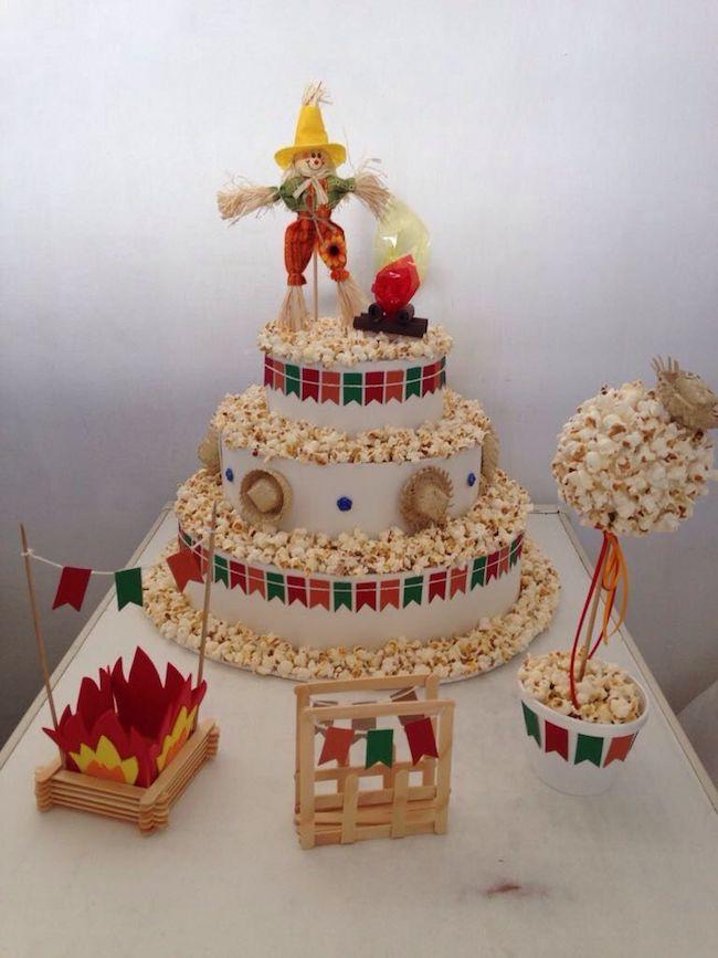 A beautiful popcorn cake to decorate festa junina