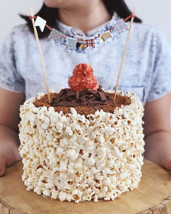 A very easy popcorn cake to make at home