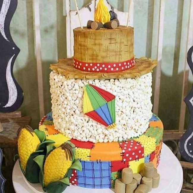 Cake specially assembled for the celebrations of são joão