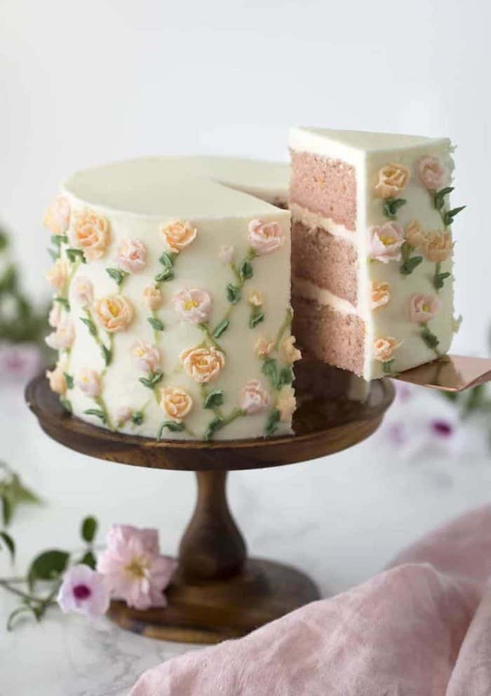The painted cake is a separate show, which combines with special occasions
