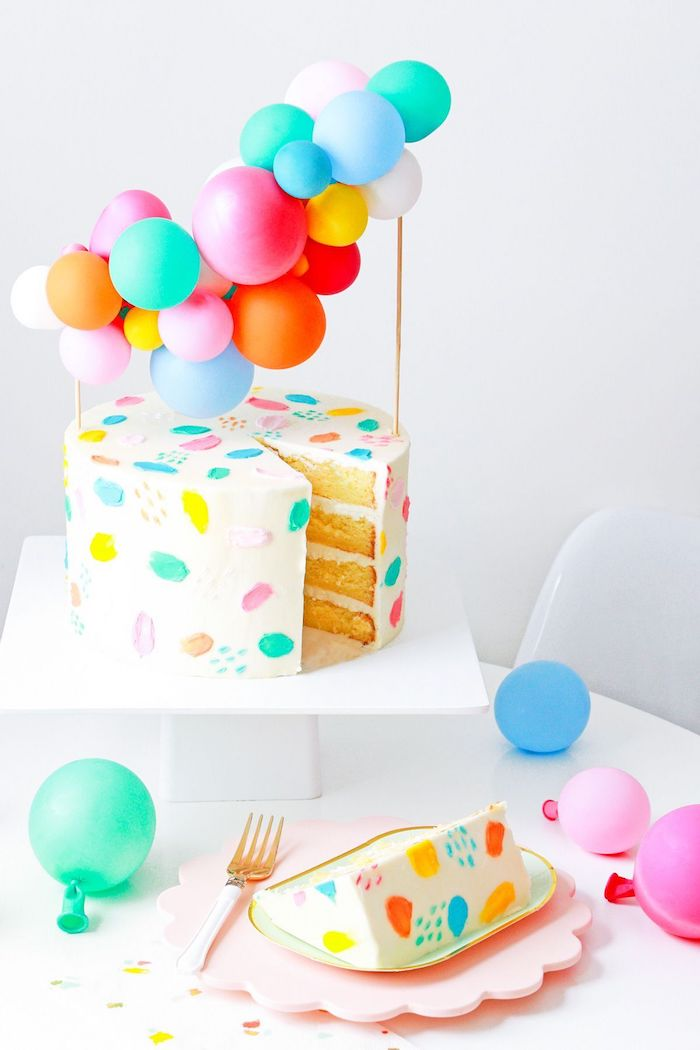 Decorating the top with balloons is an idea that goes beyond birthdays