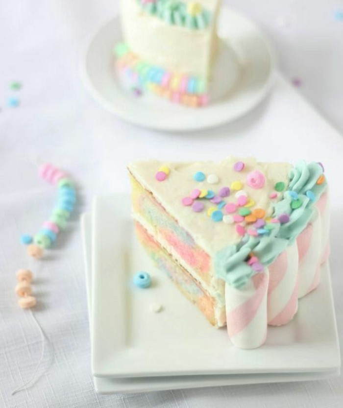 Soft colors and marshmallows on the sides