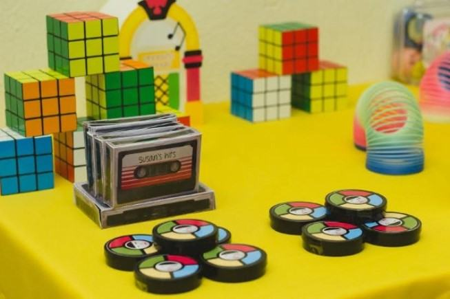 Magic cubes and Genius appear in the decoration