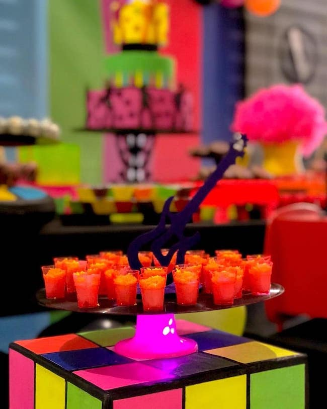 Magic cube table to serve guests