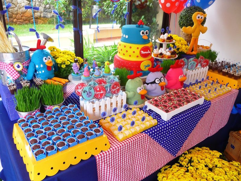 yellow-painted-chicken-children's-party