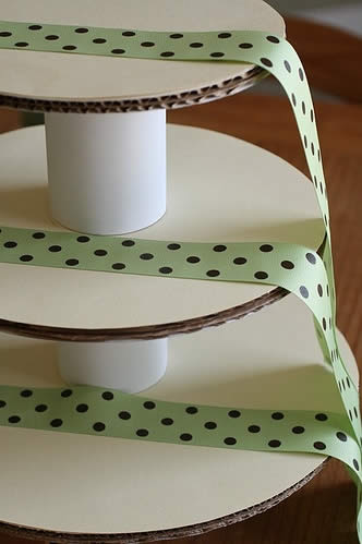 How-To-Make-Cupcake-Tower-Step-15