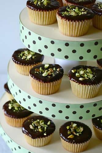 How-To-Make-Cupcake-Tower-Step-19