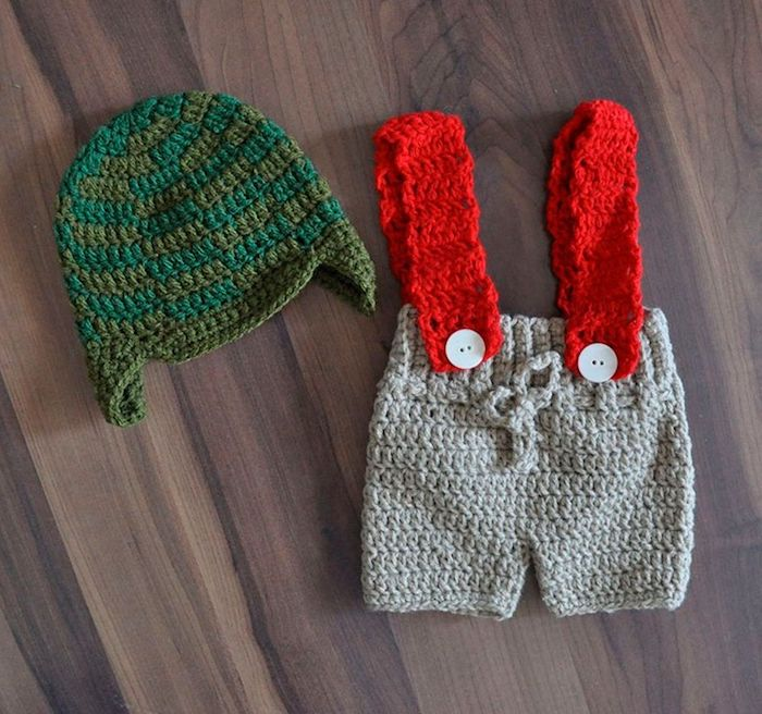 Baby clothes inspired by Chaves