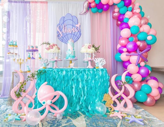 You can decorate with balloons in the shape of octopuses