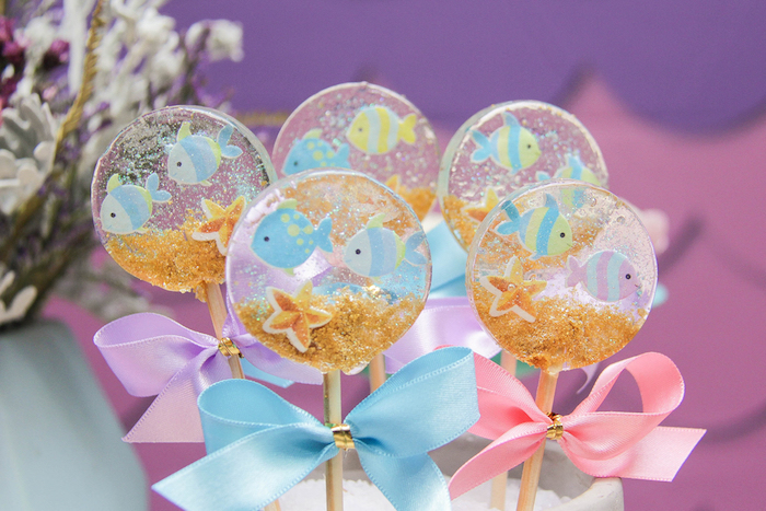 These transparent lollipops are amazing
