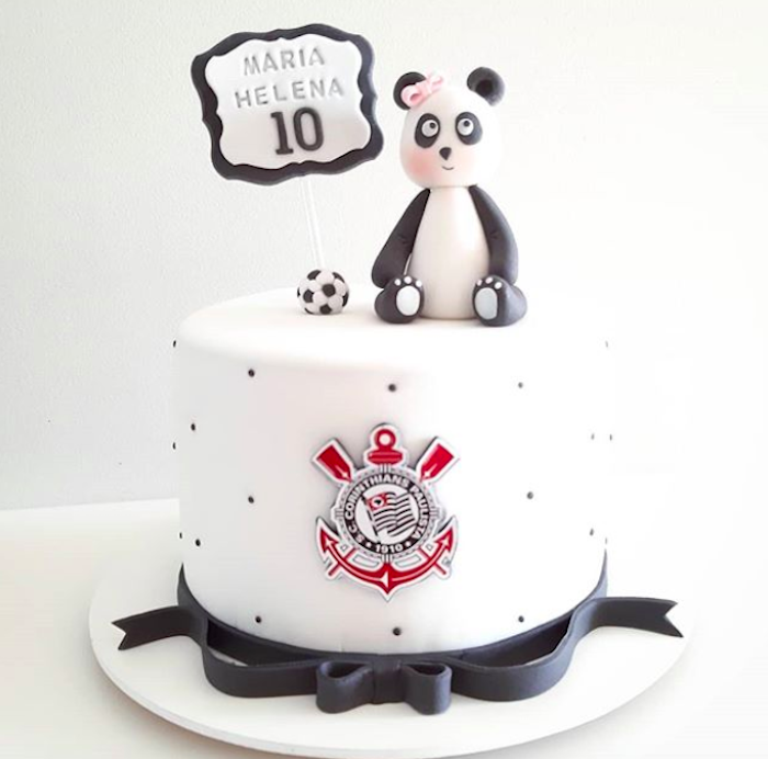 The feminine and children's Corinthians cake was also inspired by the panda figure