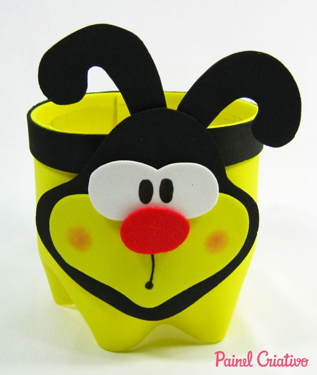 step by step souvenir bee eva holder goodies recycling pet bottle birthday children's day school (6)