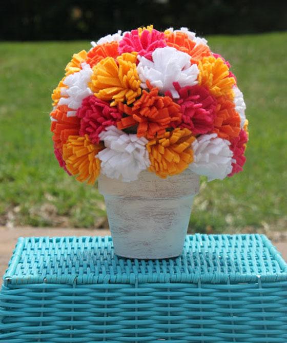 step-by-step-arrangement-flowers-felt-decoration-home-party-birthday-baby-shower-wedding-christening-3