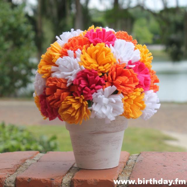 step-by-step-arrangement-flowers-felt-decoration-home-party-birthday-baby-shower-wedding-christening-6