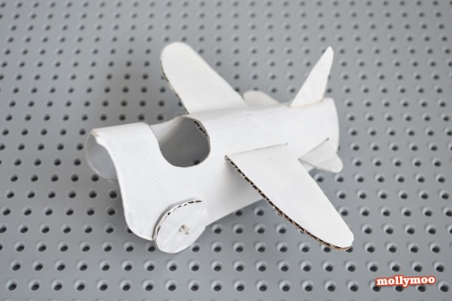 airplane made with toilet paper roll 7